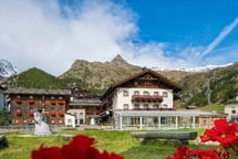 A place of wellbeing. Relax during a vacation in Val Senales.